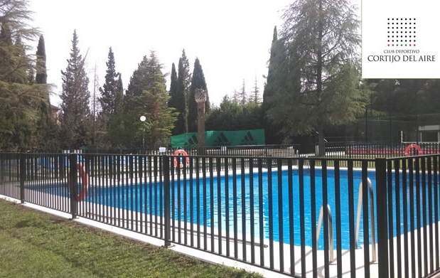 Entrada a piscina cortijo del aire agosto por for Entrada piscina