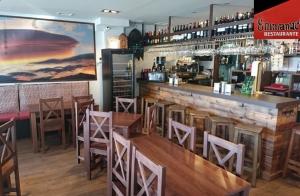 Menú en Sierra Nevada: Ensalada + 2 Platos de pasta a elegir + 2 Bebidas